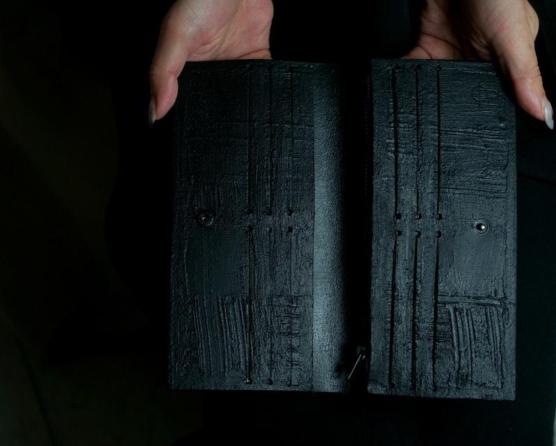 kagari yusuke / 二つ折り長財布 ブラック
