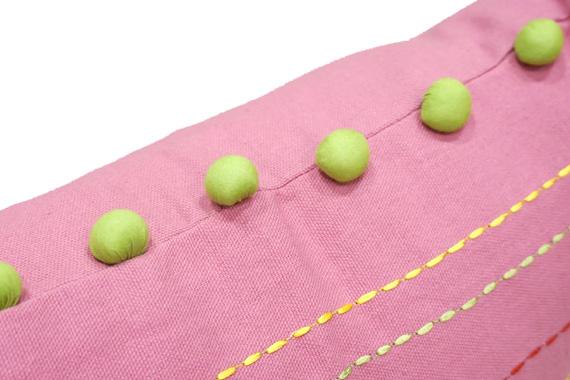 ドット刺繍&ポンポン付クッションカバー 40cm角 ピンク VL-CC-DTPK