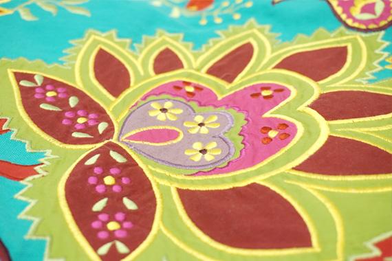 ジャコビアン様式柄 アップリケ刺繍ラウンドクッションカバー 直径約55cm ターコイズ VL-CC60-EBTQ