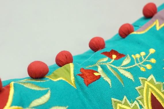 ジャコビアン様式柄 アップリケ刺繍クッションカバー 40cm角 ターコイズ VL-CC-EBTQ