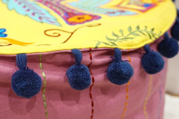ジャコビアン様式柄 アップリケ刺繍プフ(カバーのみ) 直径約55cm イエロー VL-PF-EBYL