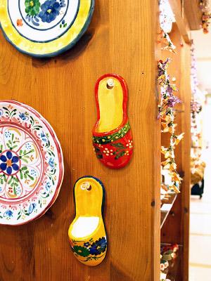 スペイン陶器 SP-205N スリッパ型壁飾り