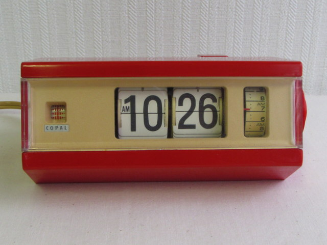 CR007 COPAL コパル パタパタ時計 レッド×ベージュ
