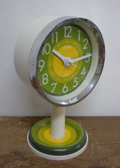 CA005 CITIZEN シチズン レトロなゼンマイ式目覚まし時計 緑