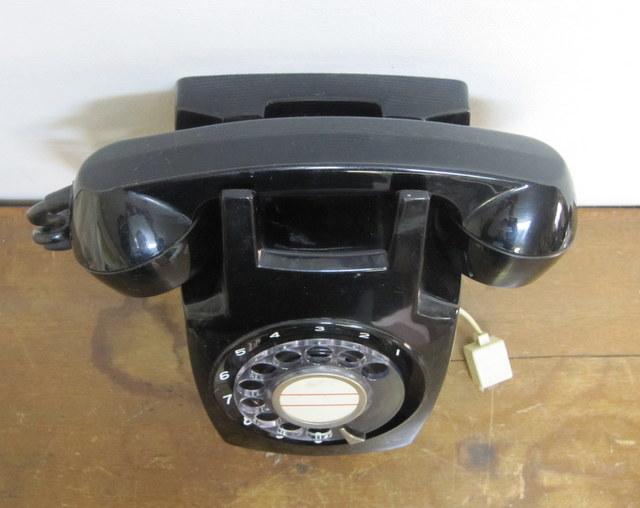 600形電話機 壁掛け型