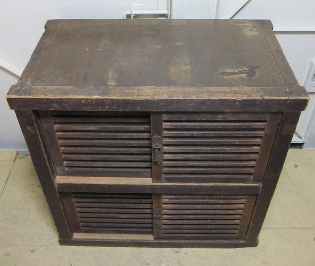 古い収納箪笥 時代箪笥