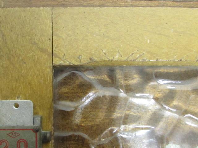 古い銭湯のロッカー扉『20』レトロガラス入り 窓枠・建具