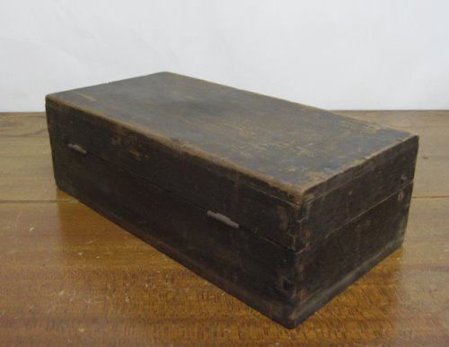 古い木箱 道具箱