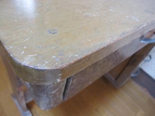 FD008 古い片袖机