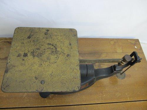 古い上皿棹秤(上皿手動増錘式棹秤) 木箱入り