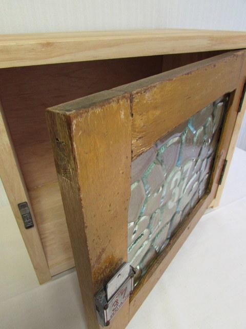 レトロなカギ付き扉の収納ボックス『37』 リメイク ハンドメイド家具 木箱