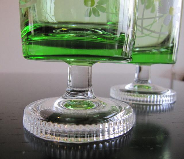 アデリア脚付きグラス マーガレット柄グリーン 2個セット