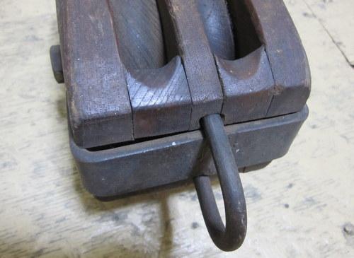 古い木製滑車 2連 中サイズ
