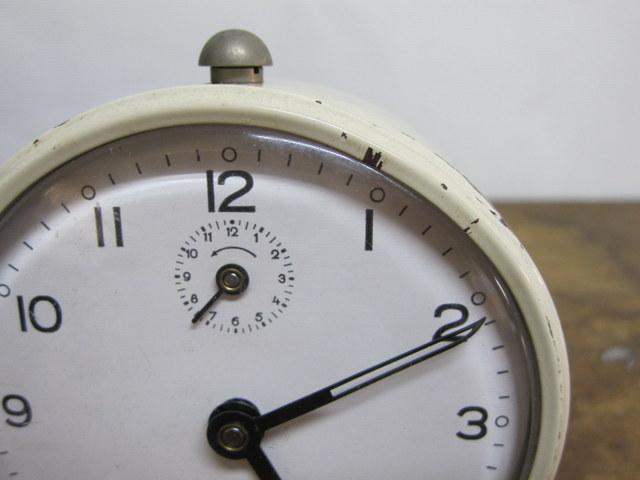 CA004 フランス JAPY ゼンマイ式目覚まし時計 白