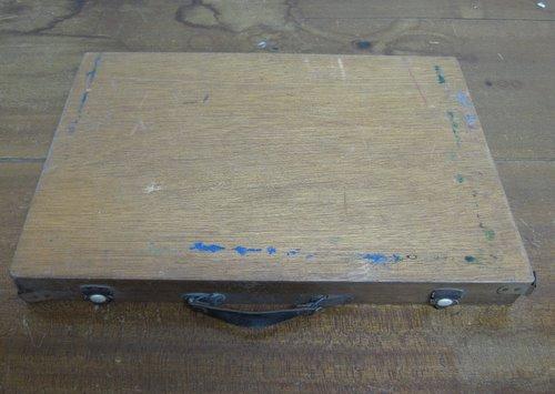 古い絵の具・画材セットの木箱 02