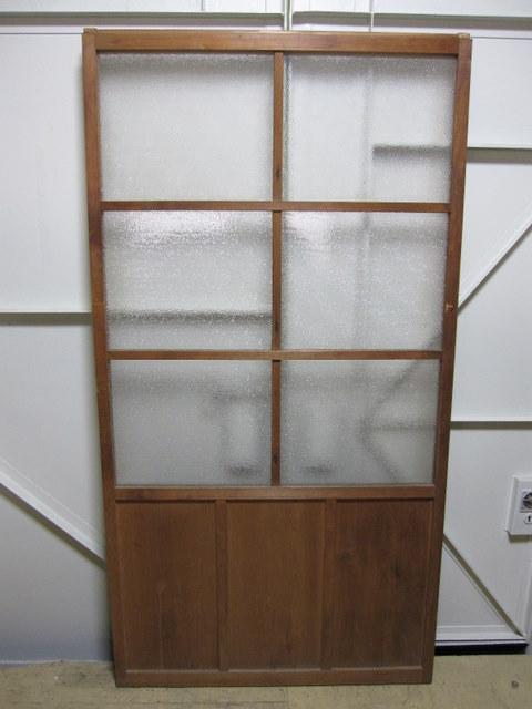 古い木の引き戸 ダイヤガラス入り