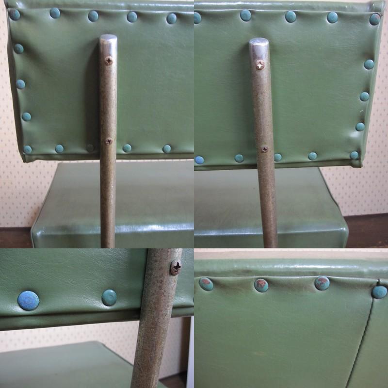 昭和レトロな待合室のベンチ 長椅子 グリーン