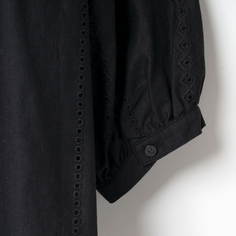[Harriss ] PANEL EMBROIDERY FORMER SPACE BLOUSE
