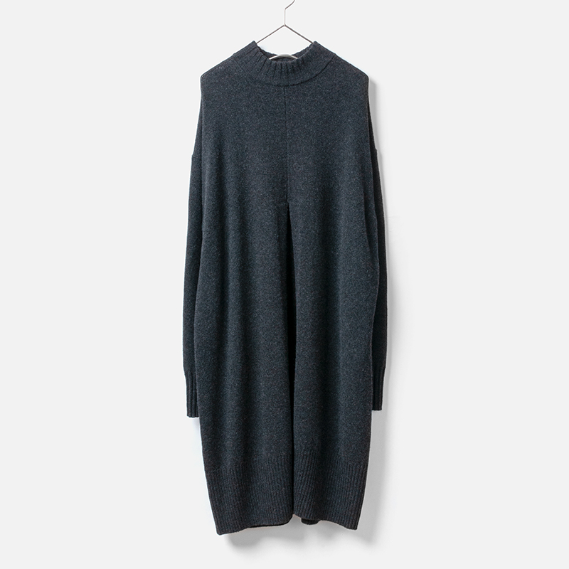 [HARRISS GRACE] TURTLE SLIT LONG SWEATER