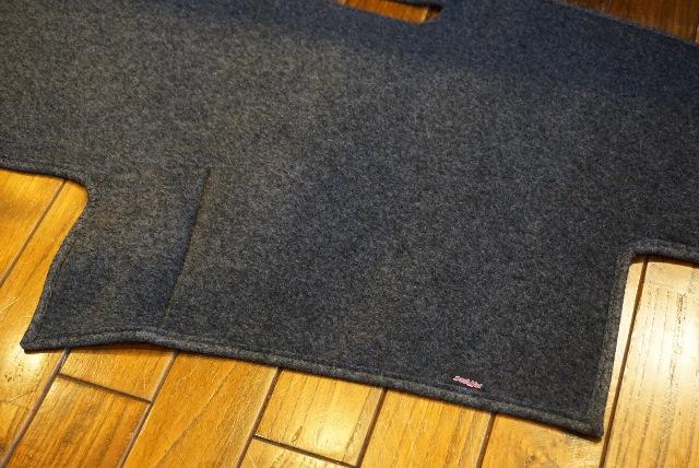 (取り寄せ対応!)2010-13 4ランナー ダッシュマット/ダッシュカバー チャコール