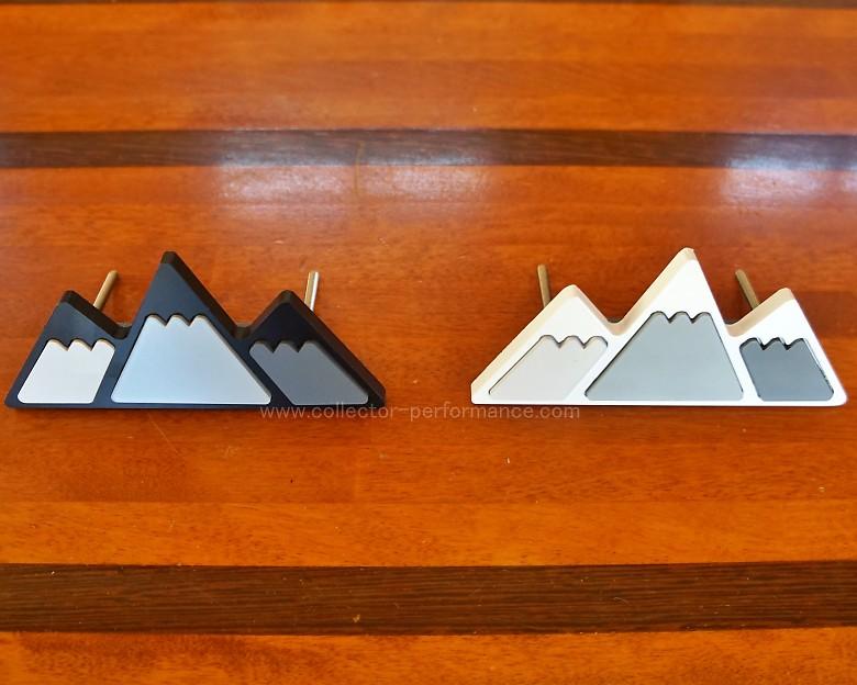 TACO VINYL/タコビニール マウンテン トリプルカラー グリル バッジ ホワイト/グレー/ダークグレー