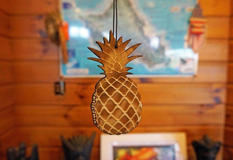 (再入荷!在庫有り!)COLLECTOR オリジナル ウッド エアフレッシュナー Pineapple/パイナップル