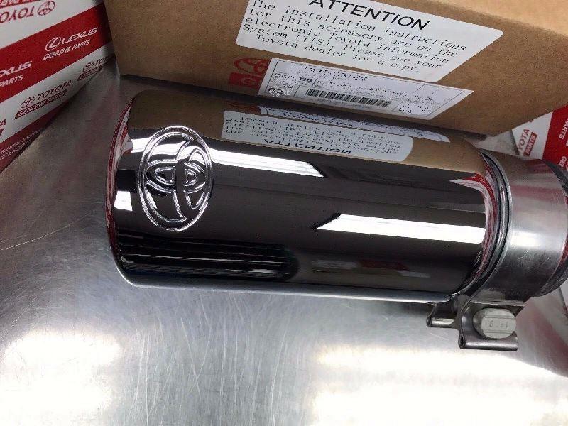 (在庫有り!即納!)2016- タコマ USトヨタ純正 ステンレス マフラーチップ