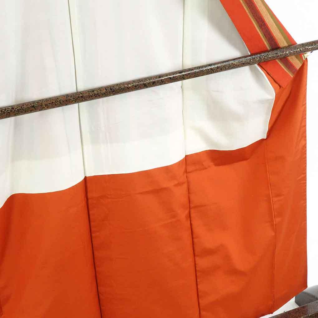 リサイクル着物 紬 / 正絹オレンジ地縦縞袷真綿紬着物 レディース 秋冬春用 シルク オレンジ 裄Mサイズ身丈160cm 裄66cm 前幅24cm 後幅30cm 袖丈51cm【ランクA】