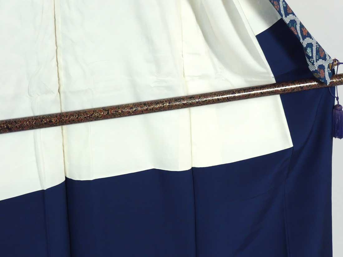 リサイクル紬 / 正絹紺地紬生地使用袷一方付小紋着物 / レディース【裄SSサイズ】【ランクS】