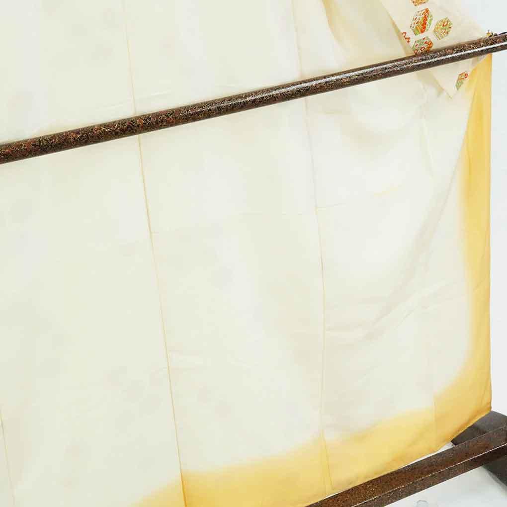 リサイクル着物 小紋 / 正絹薄黄色地袷小紋着物 レディース 秋冬春用 シルク イエロー 裄Mサイズ身丈160cm 裄63cm 前幅23cm 後幅30cm 袖丈49cm【ランクB】