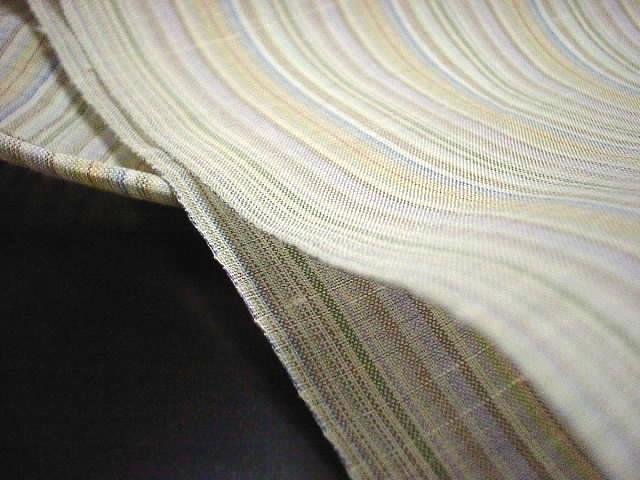 糸の撚りを強くしてシャリ感を出した縦縞夏物紗生地正絹紬着尺【新品】