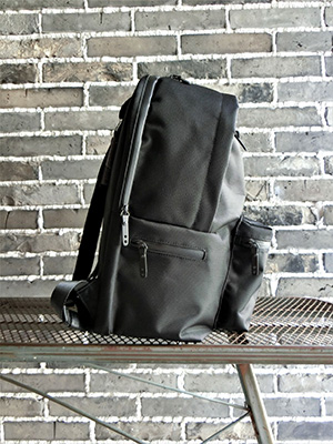 【SML】MULTIFUNCTIONAL DAY PACK