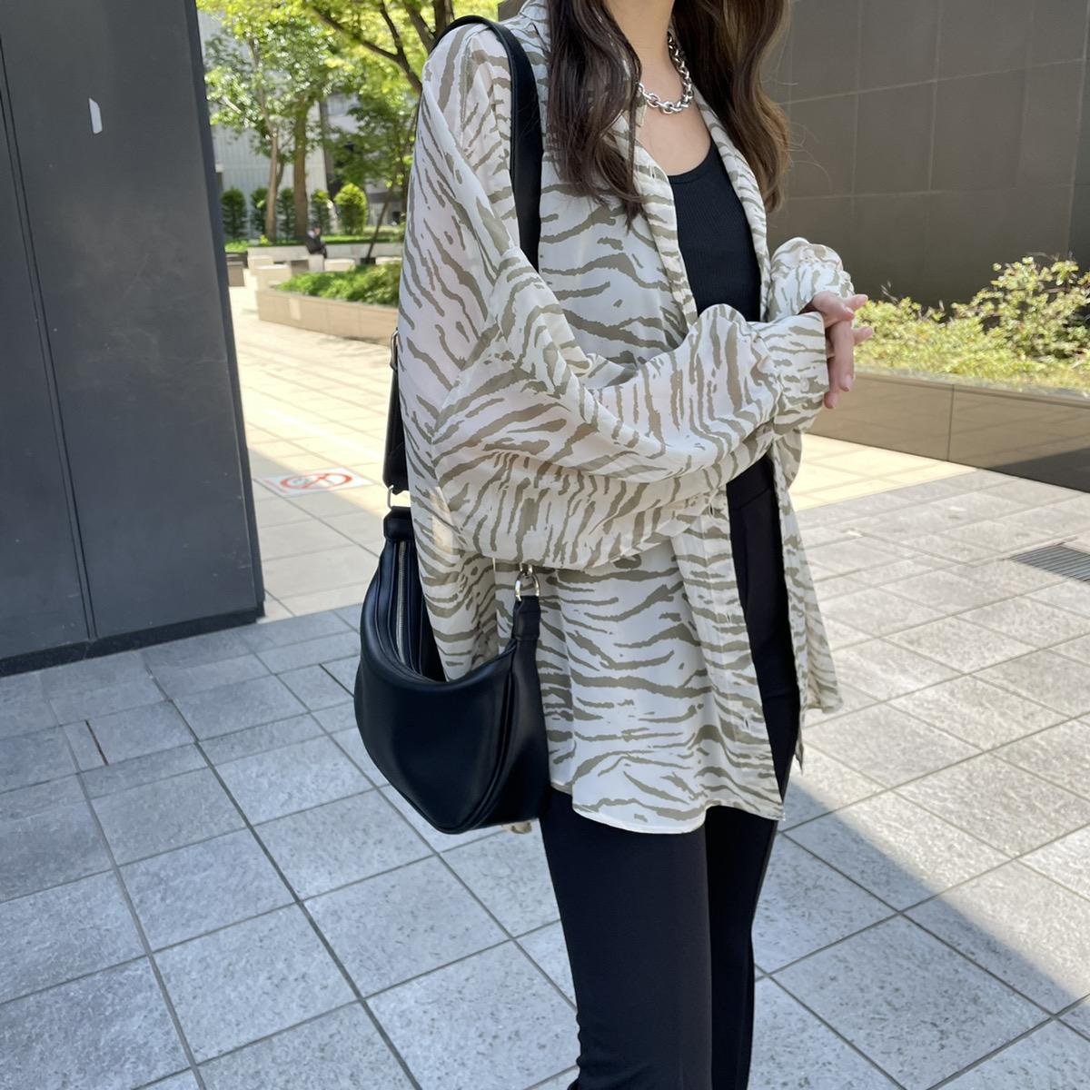 【4/26再入荷】インナー付き柄シアーシャツ