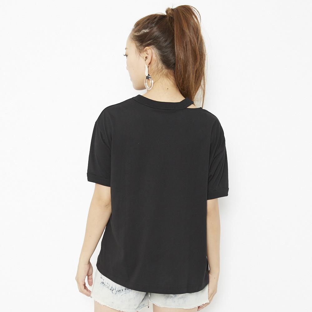 ネックデザインTシャツ