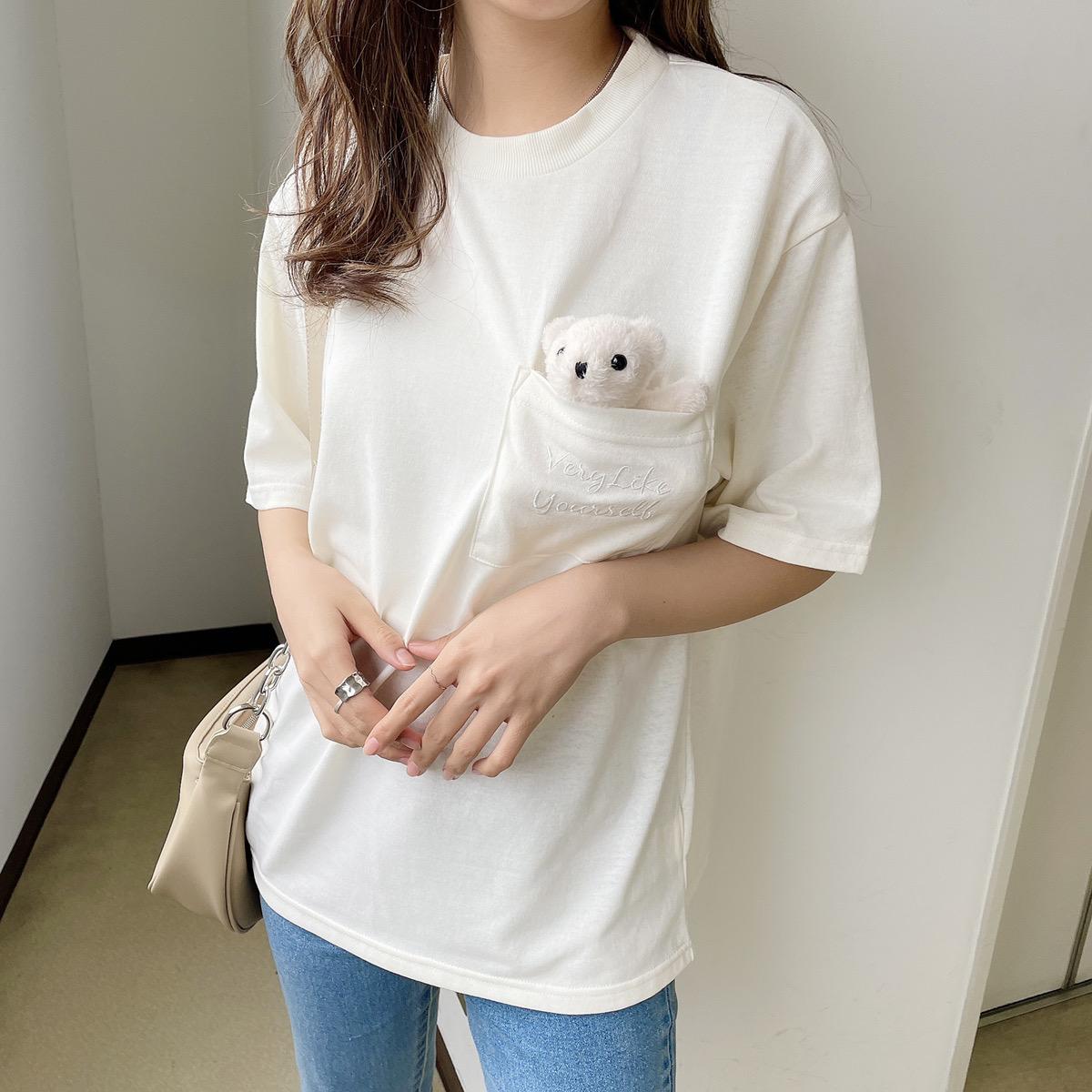 クマ付きTシャツ