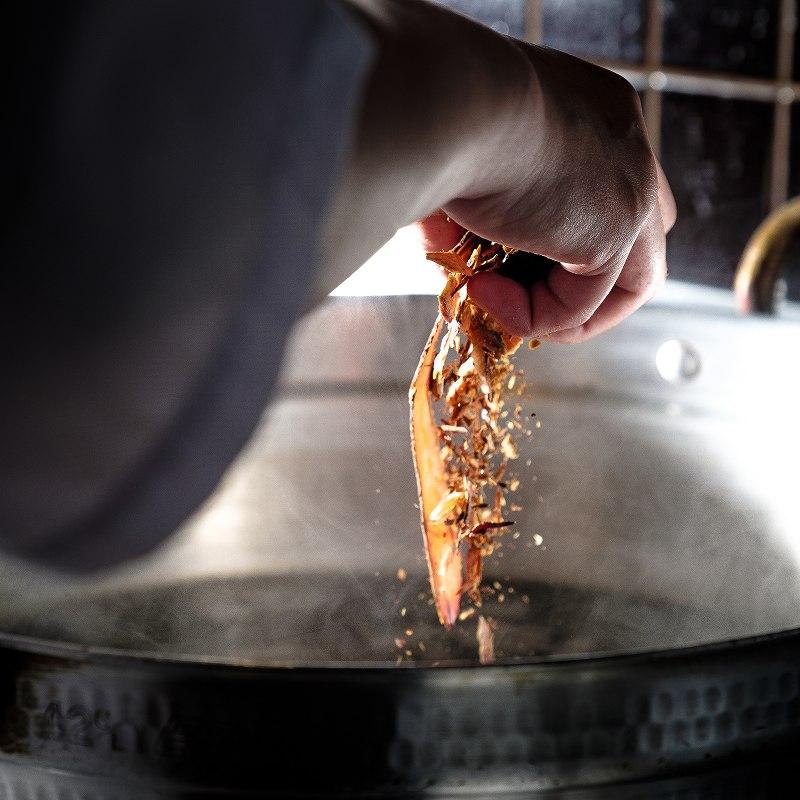 【今だけ秋の味覚】 松茸と紅葉鯛の釜めし