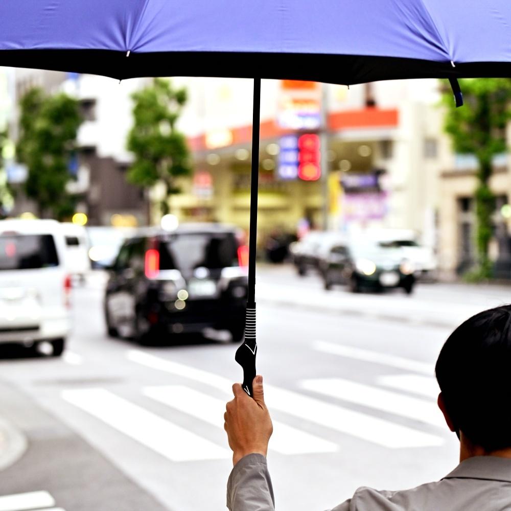 【雨の日が待ち遠しいぞ!】グリップ矯正アンブレラ