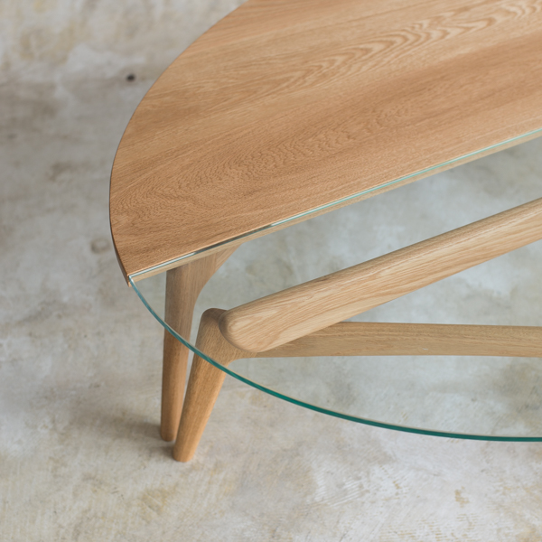 Luu table (glass top)