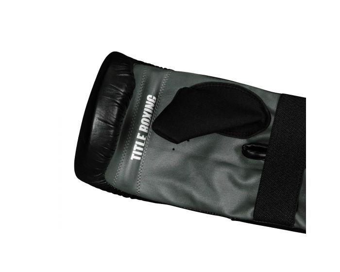 TITLE Boxing Pro Leather Bag Mitts 3.0