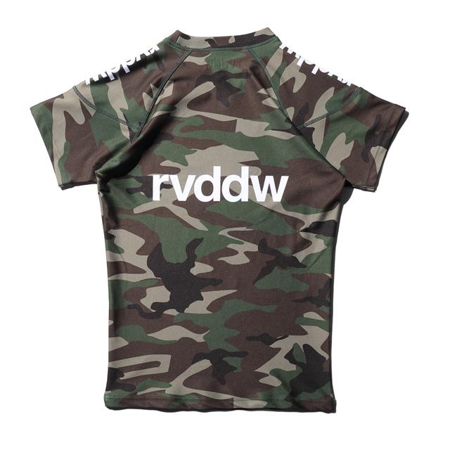 rvddw RASH GUARD  (半袖ラッシュガード) WOODLAND CAMO