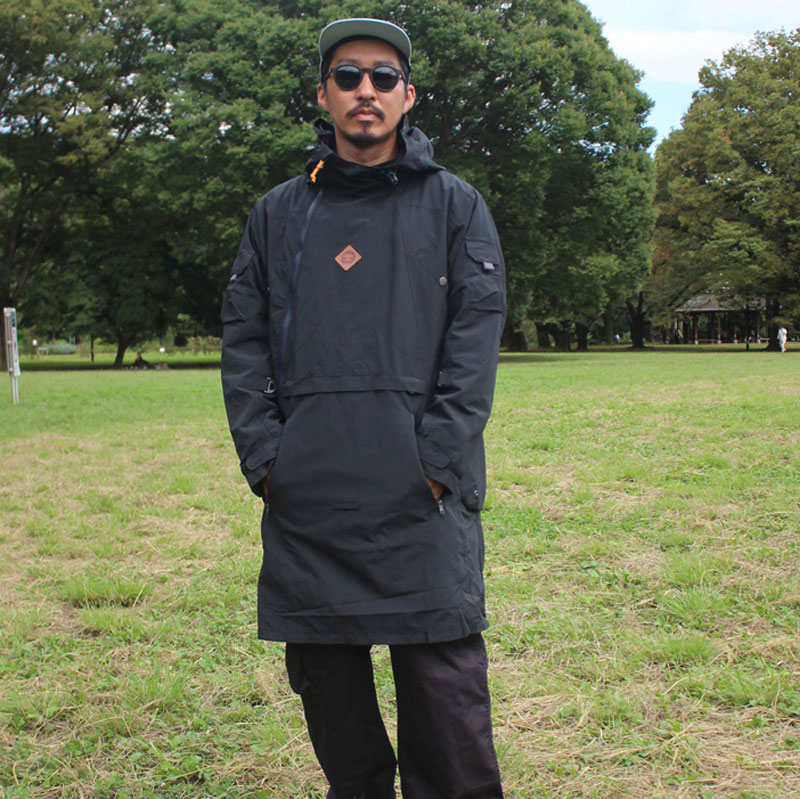TEBURA TRAVEL COAT (BLACK)