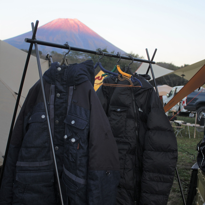 HIASOBI CAMPER DOWNJACKET (CAMEL)