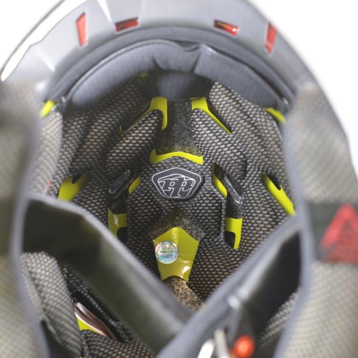 【ダウンヒル用】D4 CARBON MIRAGR  フルフェイスヘルメット TroyLeeDesign トロイリーデザイン