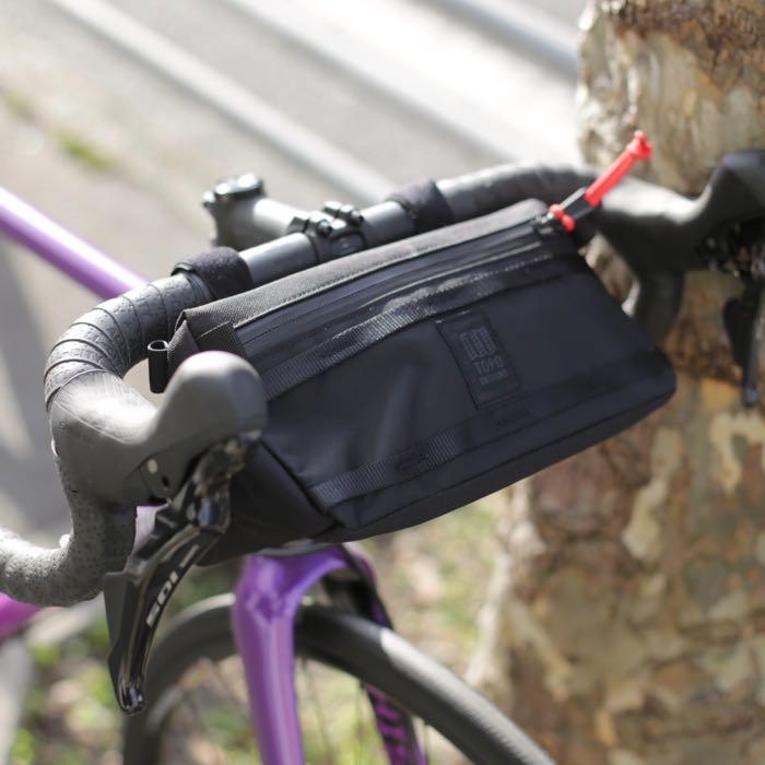 トポデザイン バイクバッグ TOPO DESIGNS BIKE BAG 自転車 ハンドルバッグ ロードバイク 前バッグ オススメ 人気 しまなみ海道 小物入れ ドロップハンドル フラットハンドル アメリカ コロラド カジュアルスタイル グランピースタイル