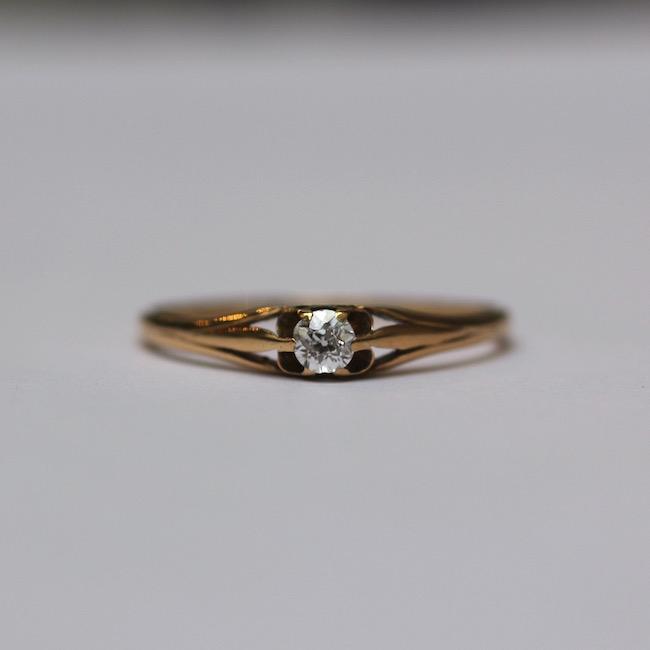 イギリス アンティーク 0.1ct ダイヤモンド ソリティアリング