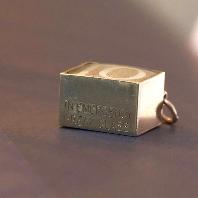 ヴィンテージ ゴールドチャーム 10シリング