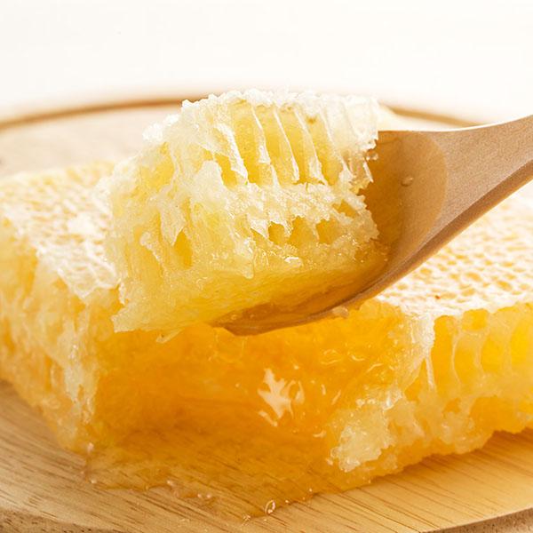 完熟はちみつを巣ごと味わう!食べる蜂の巣 巣蜜(340g)巣みつ・コムハニー【母の日カード対応商品】