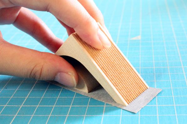 「kide-kiru」木でできたテープカッター