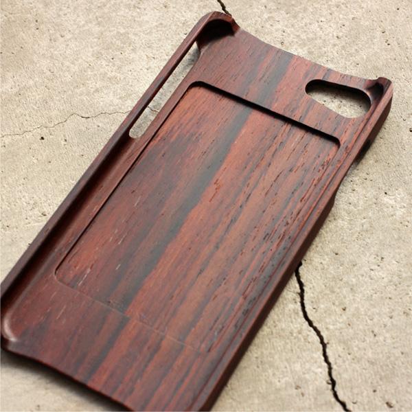 【ハローキティ】「Wooden Case for iPhone 8/7」キティちゃんの刻印がかわいいiPhone8/7用木製アイフォンケース【Qi対応】