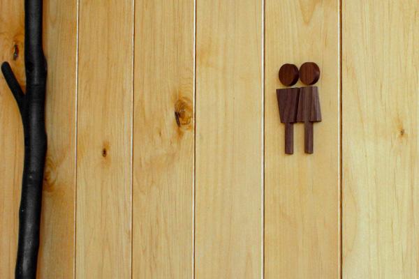 「Toilet Sign」木地職人が高級材メープル・ウォールナットから作った木製トイレサインプレート。おしゃれなインテリア/北欧風デザイン